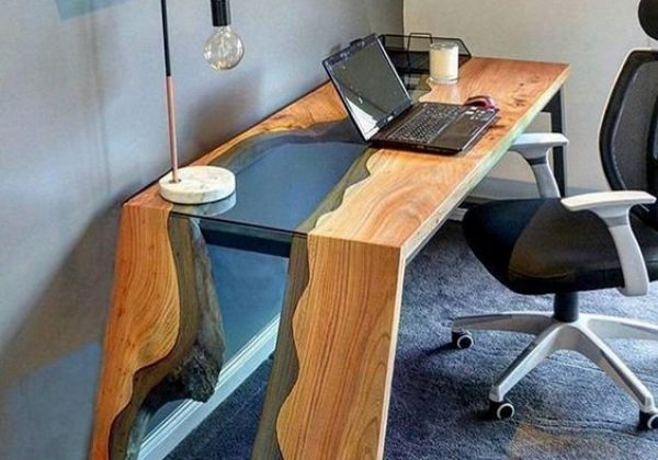 Gennemsigtige møbler